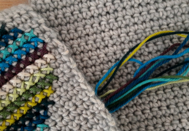 Scarf of hearts: tutorial. Cross stitch on crochet | Happy in Red