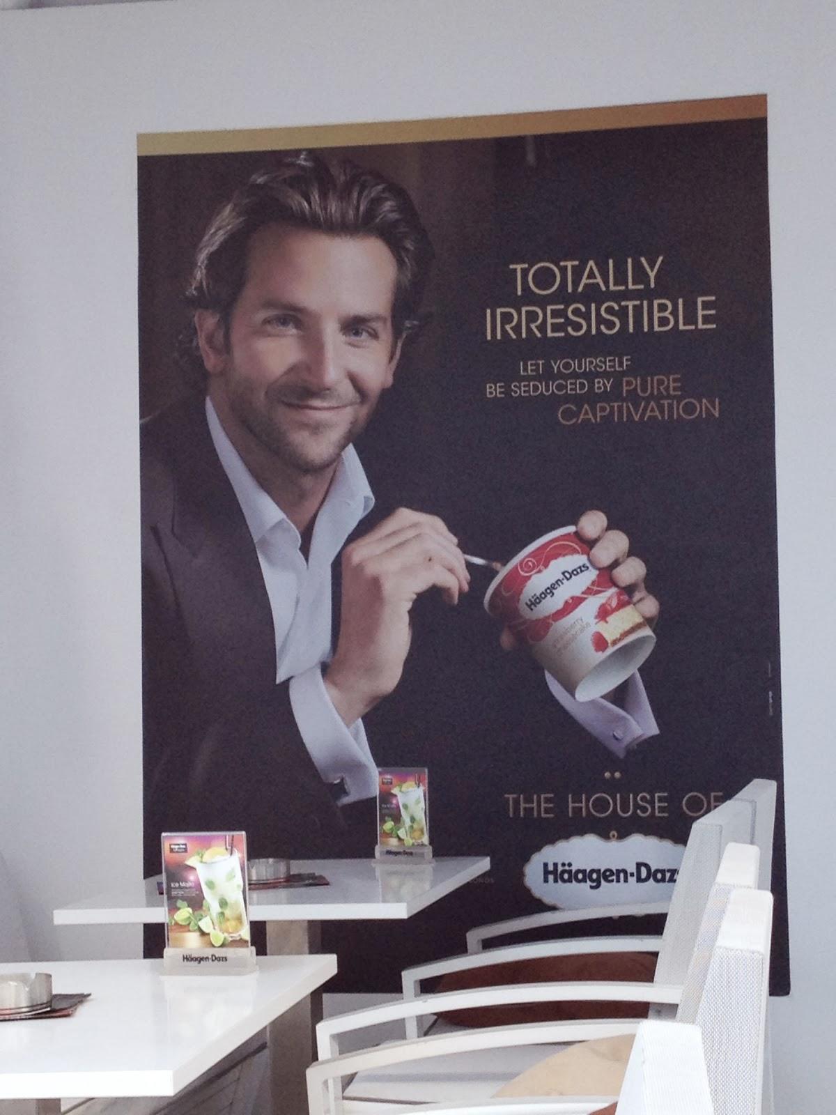 Mykonos - Bradley Cooper loves Haagen-Dazs