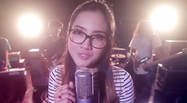 Lirik Lagu Jaran Goyang - Nella Kharisma
