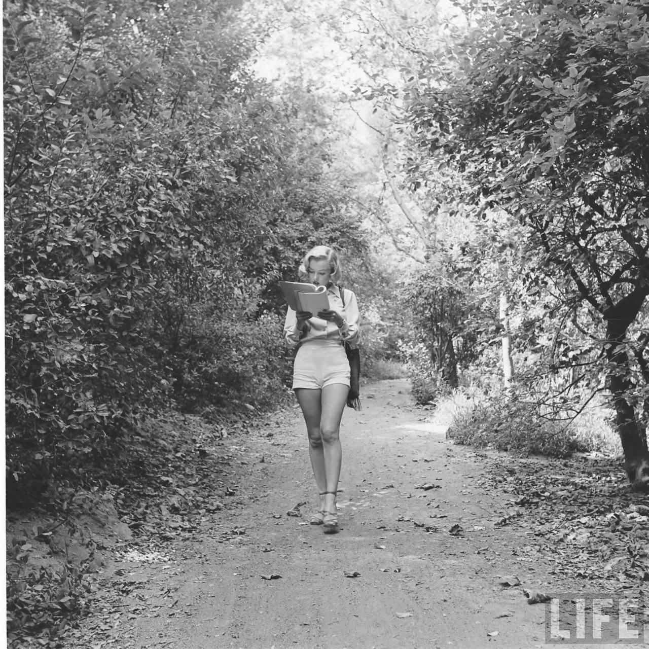 Marilyn Monroe Outdoor Photoshoot 1950 Part 3