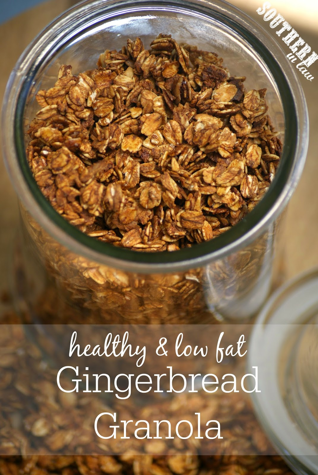 Healthy Gingerbread Granola Recipe - low fat, gluten free, healthy, clean eating friendly, christmas gift ideas