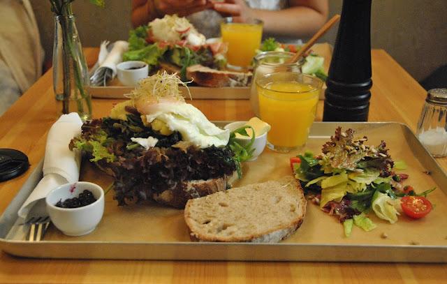Neumanns - Kaffee & Brot