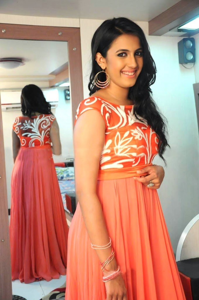 Niharika Kondiela getting ready for Marriage? View Pics!