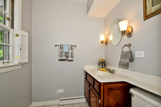 Gray Owl Benjamin Moore In Bathroom