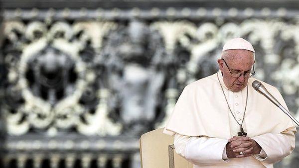 """Papa Francisco llama a diálogo por """"vientos de guerra"""" en Siria"""