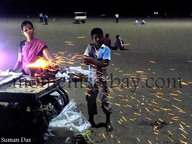 Bhutta-Flakes by the Beach momentsatbay