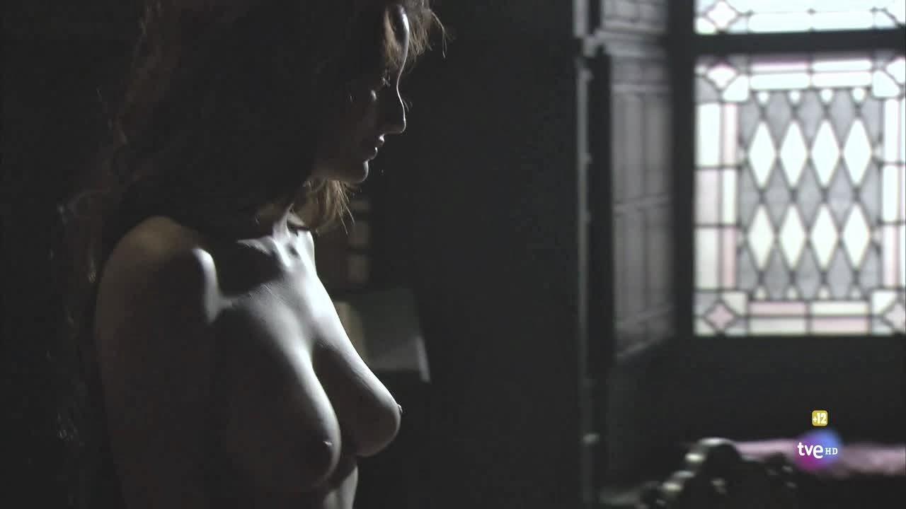 """Aguila Roja Fake Porno stella arranz completamente desnuda en la serie """"Águila roja"""