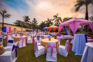 Decoración de boda con mucho colorido