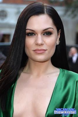 جيسي جي (Jessie J)، مغنية إنجليزية