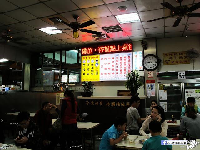 IMG 7396 - 【台中美食】台中忠孝夜市必吃,營業超過40年的老味道 『正老牌』麵線糊/臭豆腐,我想這應該是在地人小時候的回憶吧!!