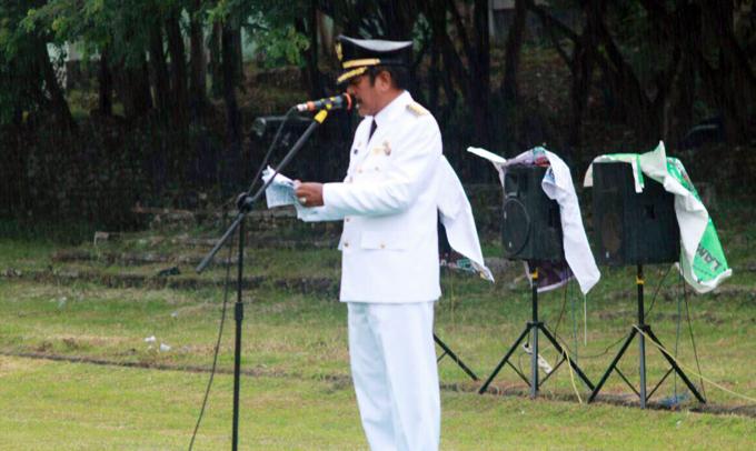 Foto: Bupati Soppeng Kaswadi Razak Irup Peringatan Hari Pahlawan