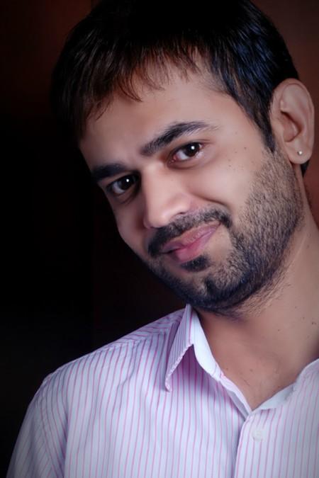Interview with author Vinayak Nadkarni