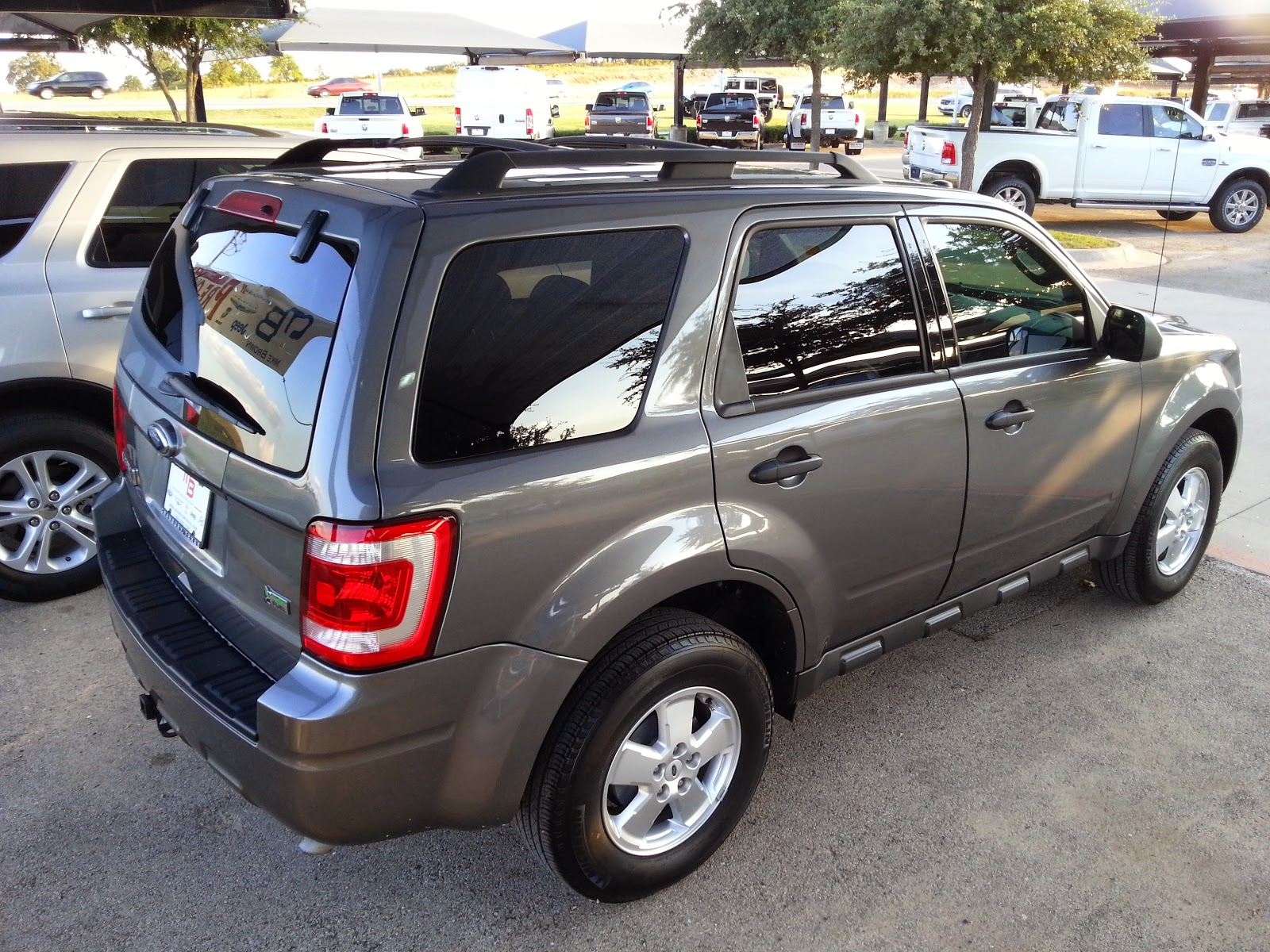 for sale 18 991 gray 2012 ford escape xlt leather sunroof call troy young 817 243 9840 tdy. Black Bedroom Furniture Sets. Home Design Ideas