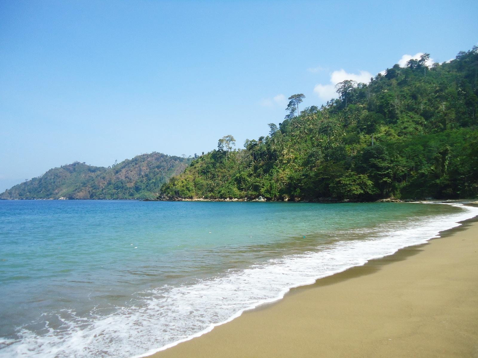Pantai Sipelot