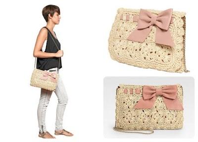 Bolso embrague Valentino tejido a crochet con rafia