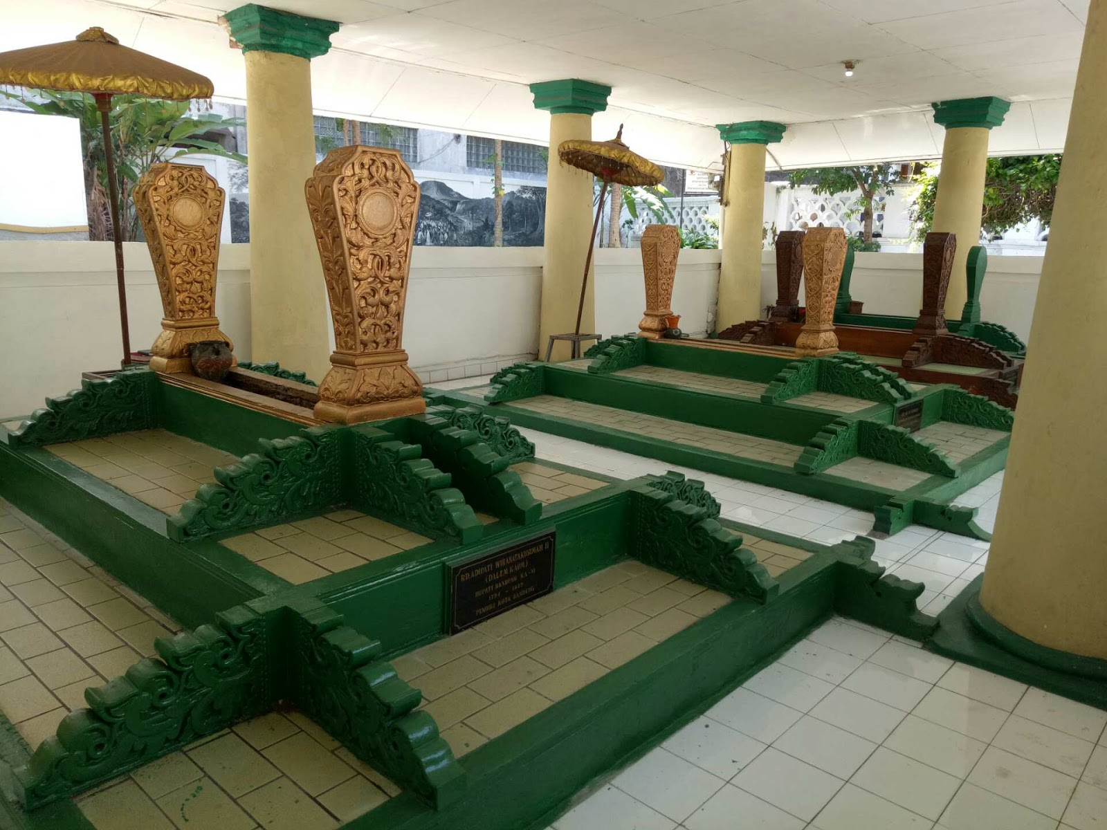 situs makam pendiri kota bandung