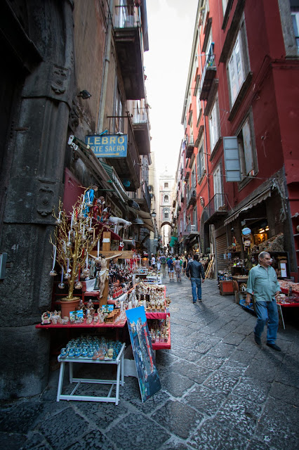 Via San Gregorio Armeno-Napoli