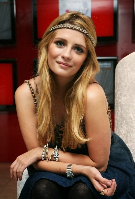Cute long blonde straight hairstyle for girls Mischa Barton Hairstyle}