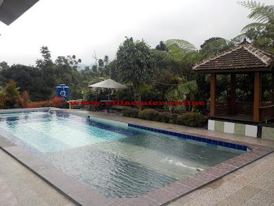 villa murah di ciater fasilitas kolam renag air panas