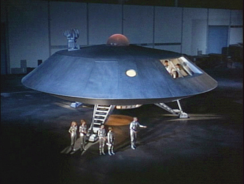 The Jupiter 2 landed in a parking lot in Lost In Space 1965 movieloversreviews.blogspot.com