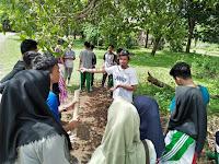 """Siswa SMA Islam Athirah Bukit Baruga """"English Camp"""" di Pucak Kabupaten Maros"""