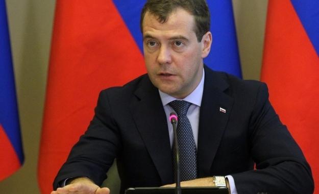"""Μεντβέντεβ: """"Με την επίθεση οι ΗΠΑ έφτασαν στα όρια της σύγκρουσης με τη Ρωσία"""""""