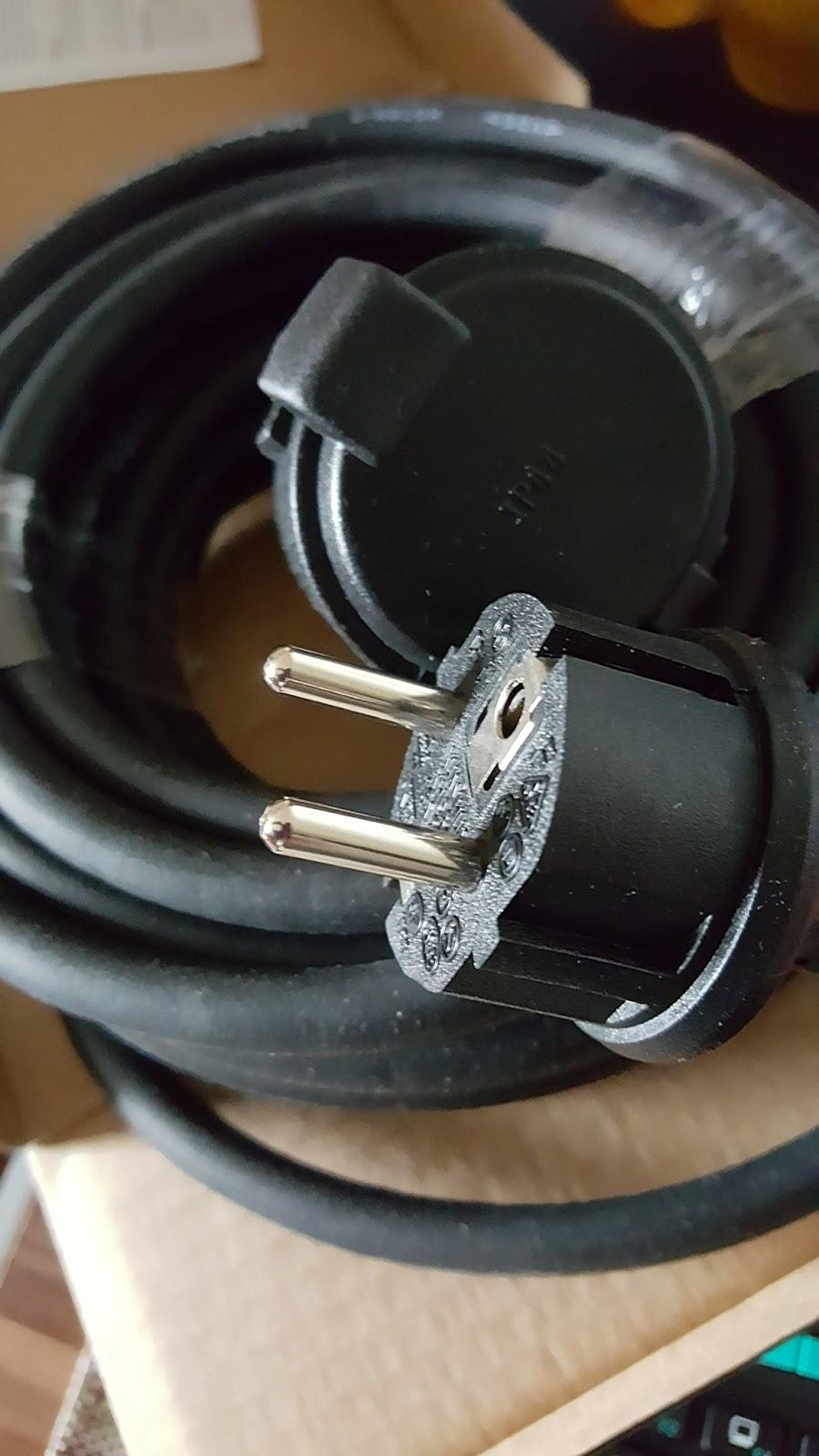 lahr2006 testet simbr verl ngerungskabel gummi kabel f r. Black Bedroom Furniture Sets. Home Design Ideas