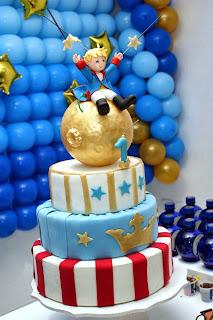 bolo do pequeno principe em biscuit