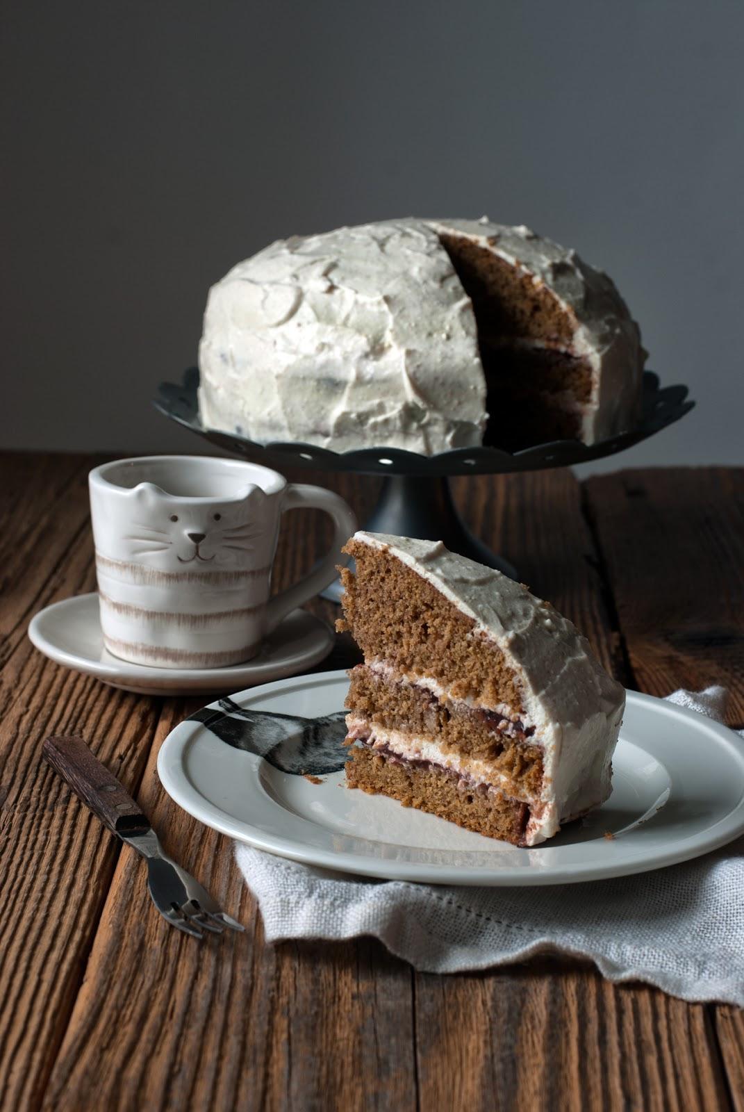 Bezglutenowe ciasto dyniowe z twarożkiem i powidłami