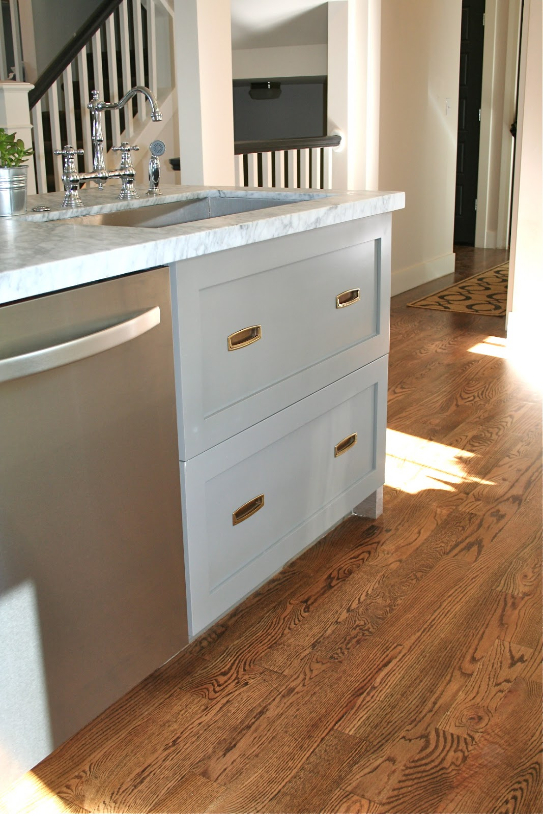 Design Dump: Drawers Under The Kitchen Sink