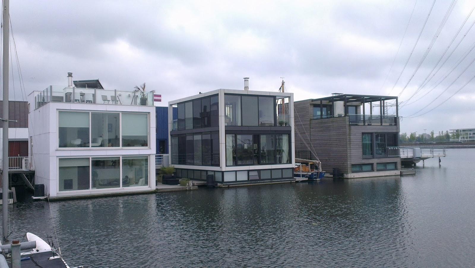 大學報: 解決土地不足 荷蘭漂浮屋與海共存