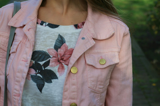 Pink in casual stylization | Strój dnia z różową katanką