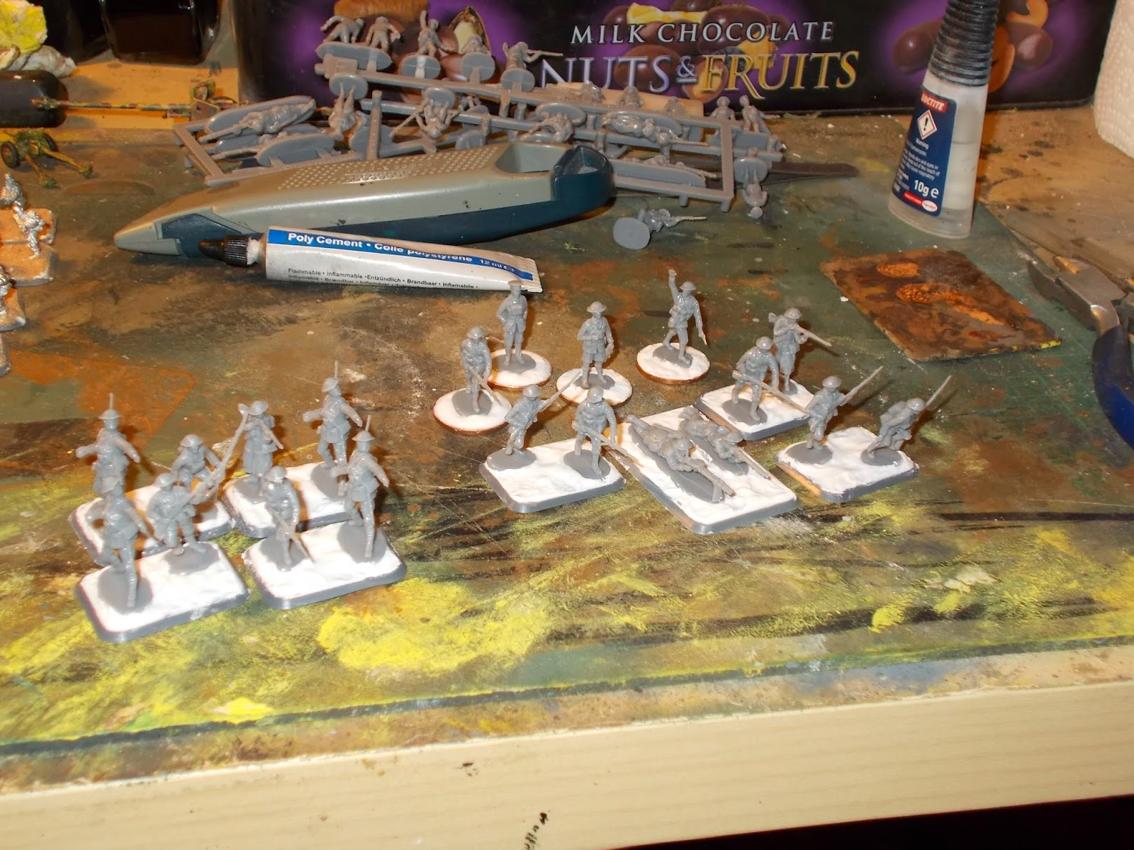The plastic ficgures are based on small bases
