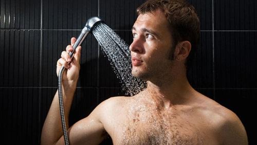 كيف تأتي الأفكار أثناء الاستحمام وهل لهذا الأمر أصل علمي؟