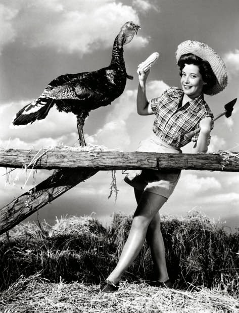 happy thanksgiving here are 34 funny vintage photos of celebrities celebrating thanksgiving day. Black Bedroom Furniture Sets. Home Design Ideas