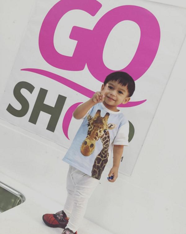 (Gambar) Aksi Comel Anak Norman Hakim, Memey Suhaiza Yang Mencuti Hati Pasti Buat Anda Geram Bila Tengok!