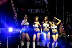 Diiringi Musik DJ, 4 Dancer Seksi Ramaikan HUT Klub Moge di Pati