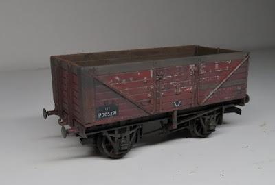 Dapol PO wagon weathering upgrade