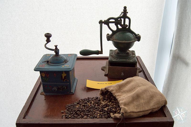 Molinillos y café, parte del contrabando de la frontera