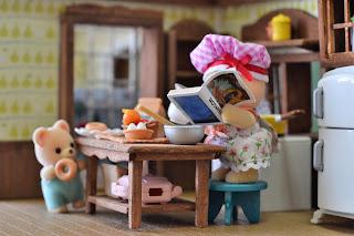 Sylvanian Families donuts Osborne Bear Family kitchen diorama