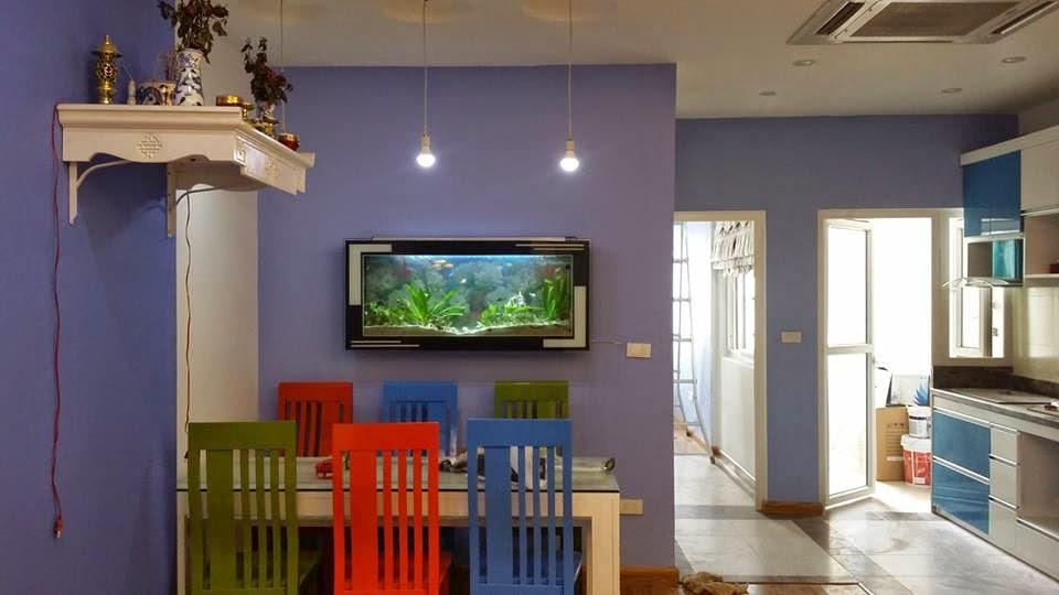 Bể thủy sinh treo tường giúp bạn tận dụng những bức tường trống