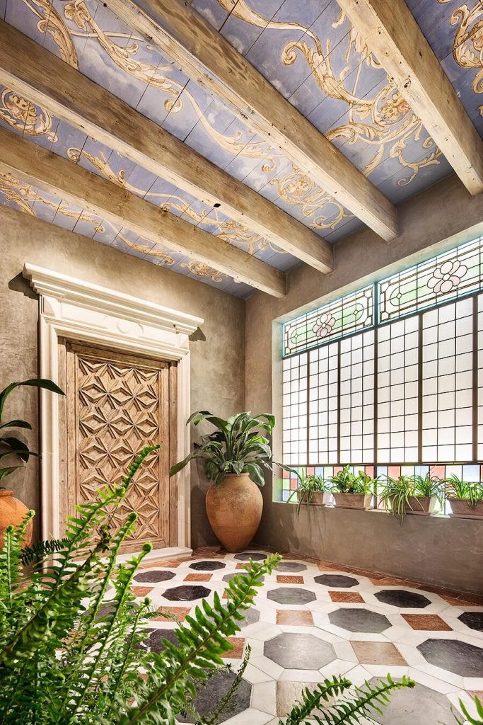 Hallway by Ignacio Carrillo