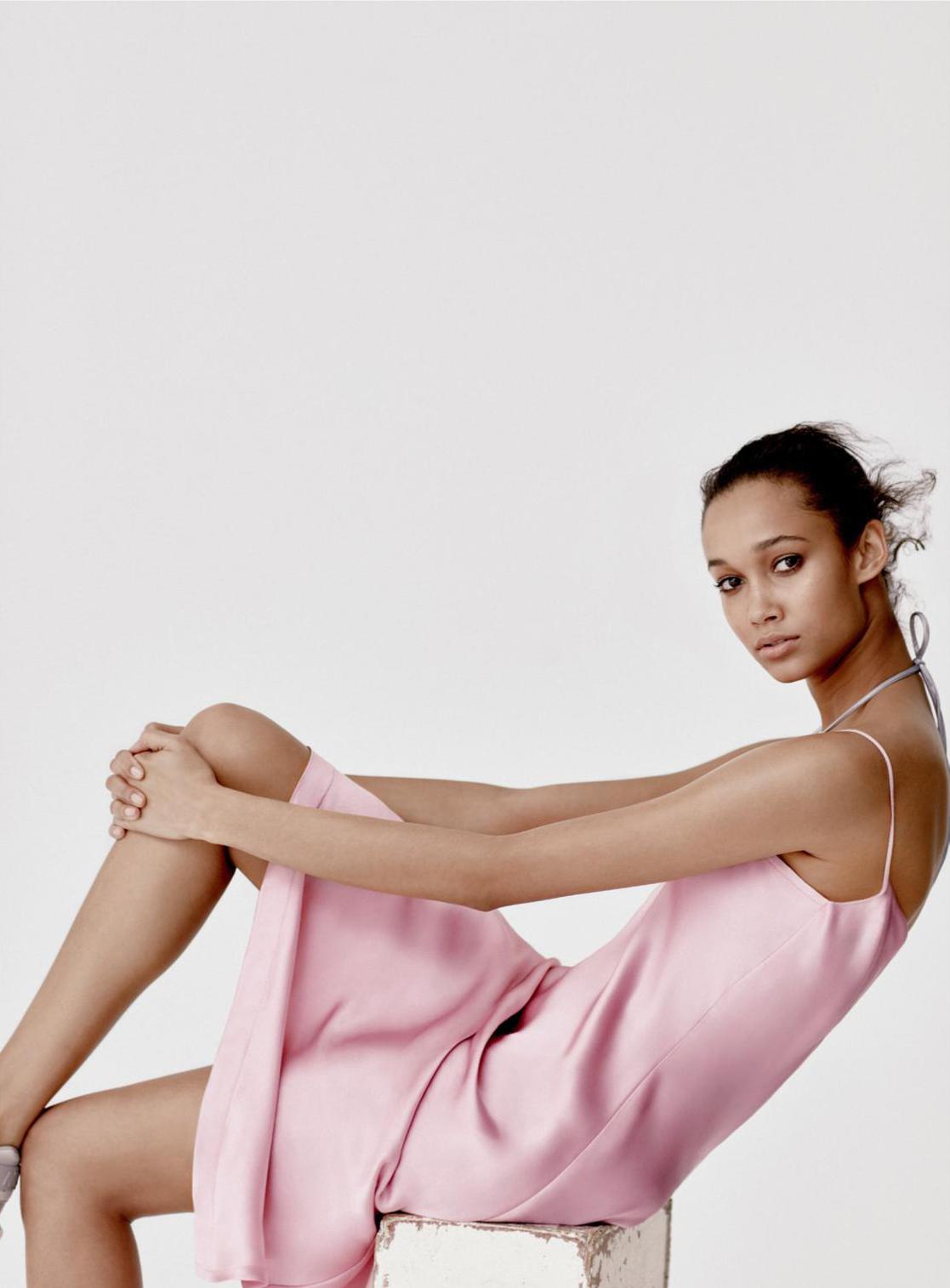 2017 05 kayla autumn ward legs - Wallette Watson In Vogue Uk May 2017 By Luca Khouri
