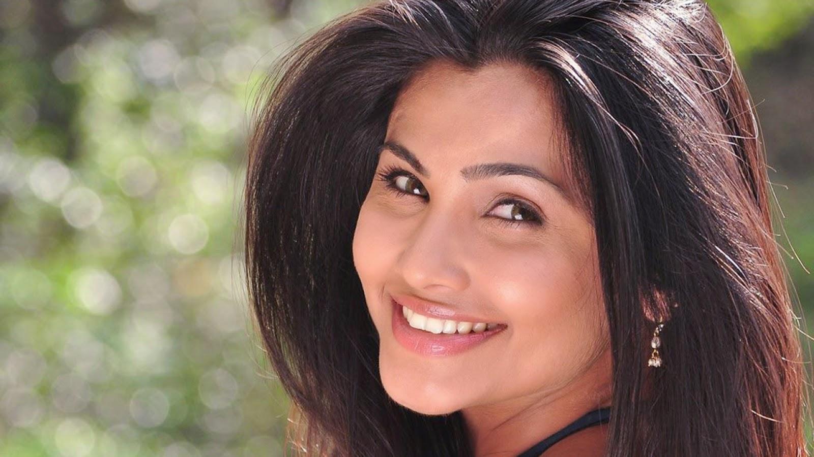 Free Movie Wallpapers Hot Indan Actress Hot Photos-7717