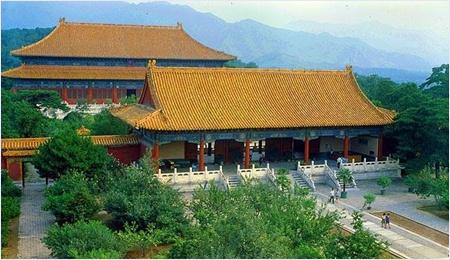สุสานฉางหลิง (Changling Tomb) - สุสานราชวงศ์หมิง (Ming Dynasty Tombs)