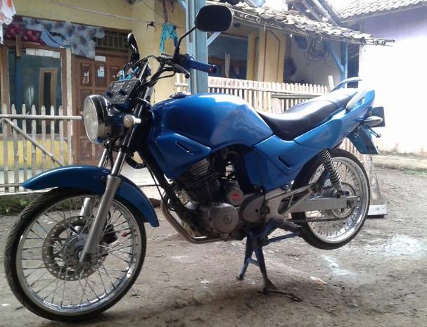 Modifikasi motor honda Tiger warna Biru