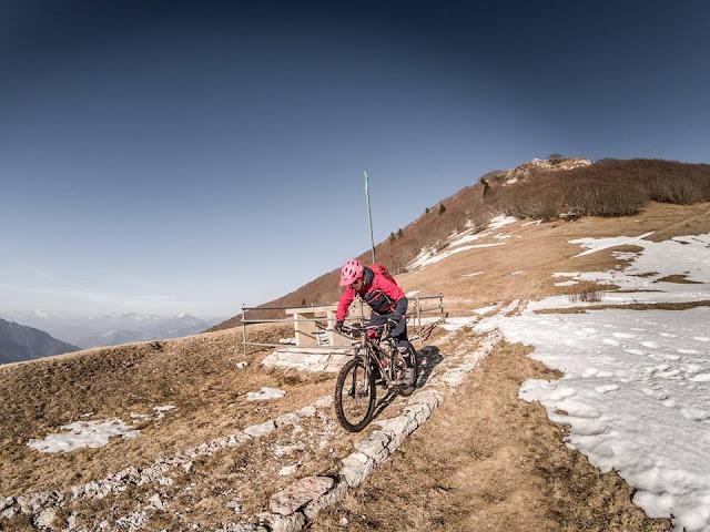 Abfahrt MTB Avito Mountainbike Tour Monte Vignola