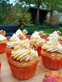 http://cupcakeluvs.blogspot.dk/2016/10/ble-saltet-karamel-valnd-cupcakes-apple_17.html