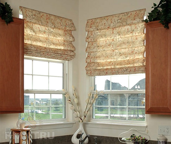 The best designs for kitchen roman blinds and curtains