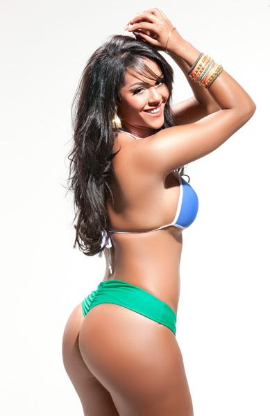 Aline Bernardes